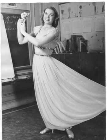 Grace-Kelly-Teacher-grace-kelly-12668566-1955-2560